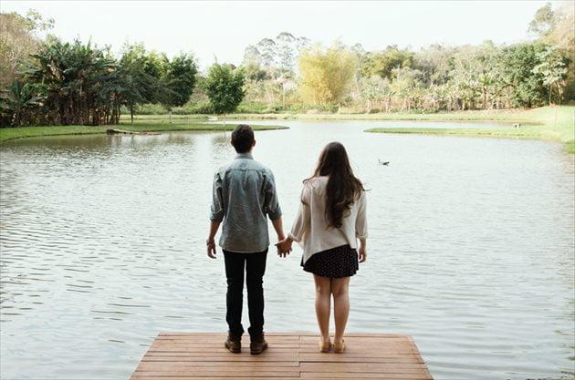 人を愛するのは何故?不思議な恋の感覚はホルモンが原因?